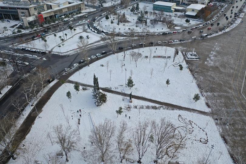 Трима души станаха жертва на обилните снеговалежи и минусовите температури,