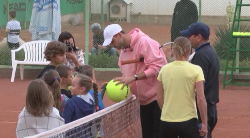 Срещата с млади таланти от български клубове зарадва над 100