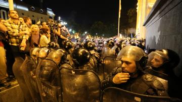 Председателят на грузинския парламент подаде оставка след протестите