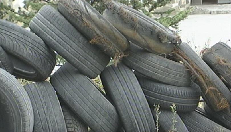20 нерегламентирани площадки за изгаряне на употребявани гуми и пластмаси