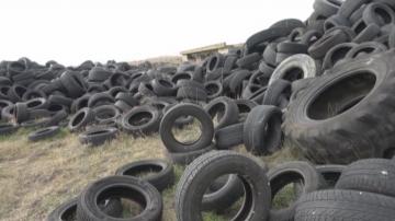 Повече от половин година проверяват депо за гуми край Атанасовското езеро
