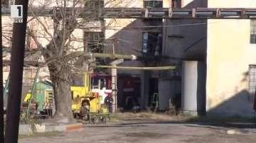 Голям пожар избухна в маслобойна в Харманли, няма пострадали