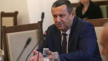 Адемов: Оставката на Бисер Петков е опит за отпушване на социалното напрежение