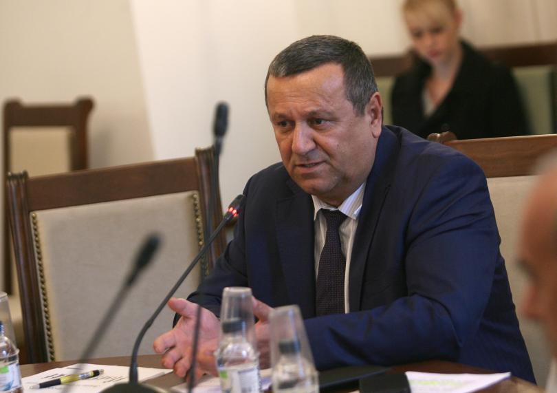 Председателят на социалната комисия в парламента Хасан Адемов, коментира в