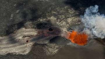 Изригнал вулкан на Хаваите заля цял квартал