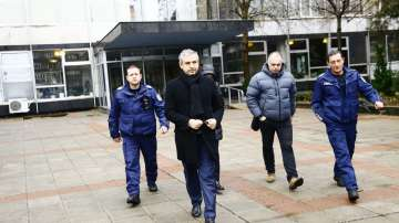 Шефът на Комисията по хазарта е отведен за разпит след спецакцията