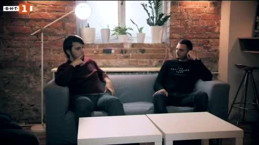 Пенсионноосигурително дружество предлага видеа с жестомимичен превод, а НАП осигурява