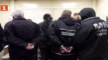 Искат постоянен арест за 7 от обвинените в корупция митничари и гранични полицаи