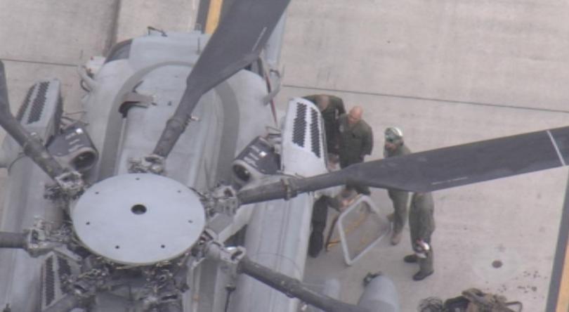 Прозорец на прелитащ американски хеликоптер рухна върху игрище в двора