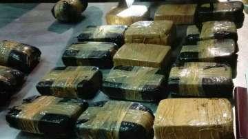 Виетнамски полицаи заловиха хероин за 3 млн. долара, скрит в пакетчета чай