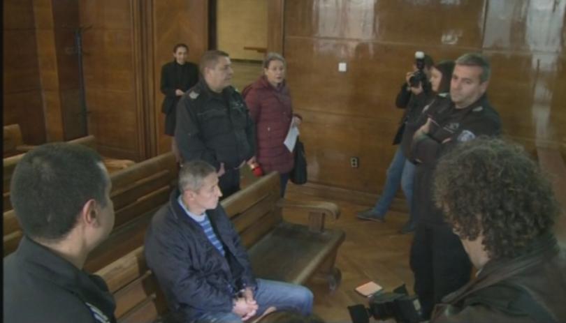 Окръжният съд в Русе гледа в момента искането за налагане
