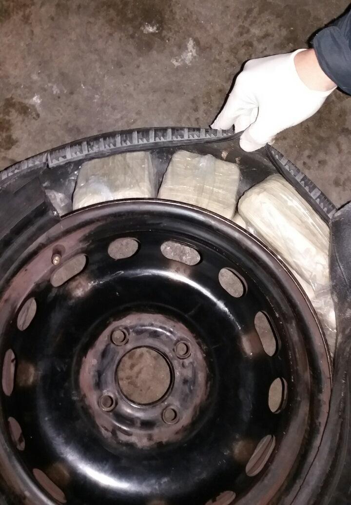 Над 10 кг хероин в резервна гума на лек автомобил