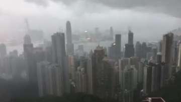Мощен тайфун наближава Хонконг