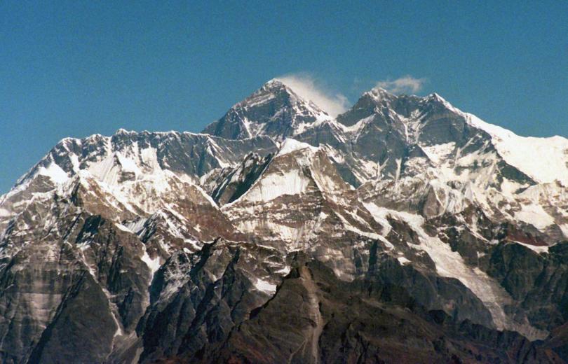 осем планиски катерачи неизвестност индийските хималаи