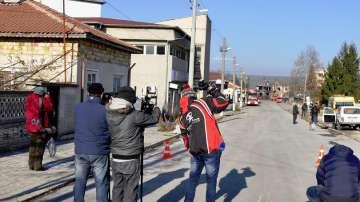 Жителите на Хитрино влизат по график в селото след 14:00 ч.