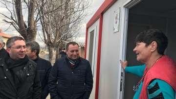 Министър Нанков се запозна с възстановителните работи в Хитрино (СНИМКИ)