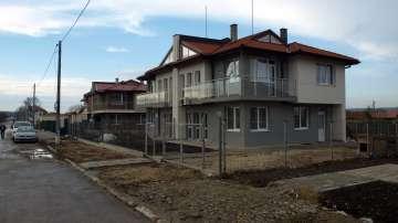 12 семейства от Хитрино получиха ключовете за новите си домове