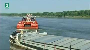 Ниските нива на река Дунав образуваха прагове и затрудниха корабоплаването