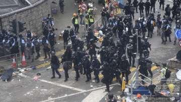 Сблъсъци между полицията и демонстранти в Хонконг