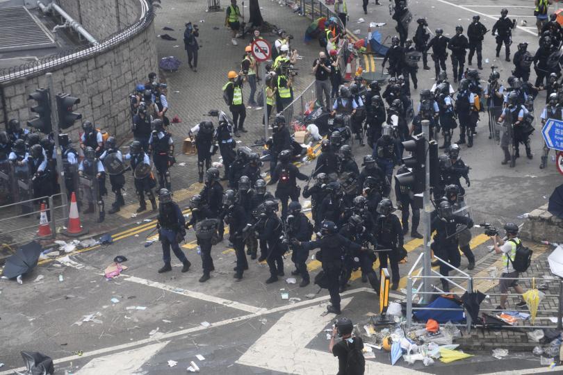 Там за пореден ден продължават протестите срещу проектозакон, който предвижда