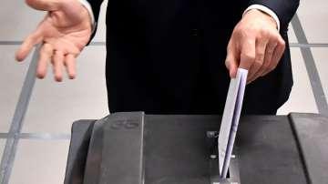От нашия пратеник в Холандия: Вече са се образували опашки от гласуващи на места