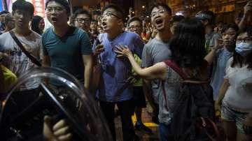 Бизнесът в Хонгконг призовава за край на насилието