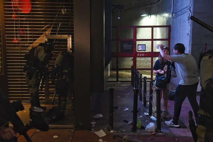 17 души бяха ранени в Хонконг, където днес за пореден