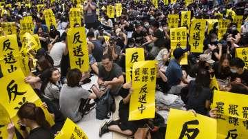 Обща стачка и нови протести в Хонконг
