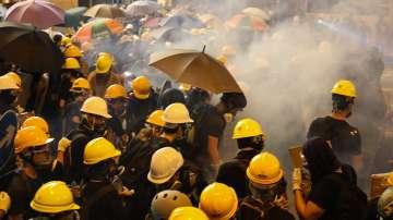 Сблъсъци между полиция и протестиращи в Хонконг