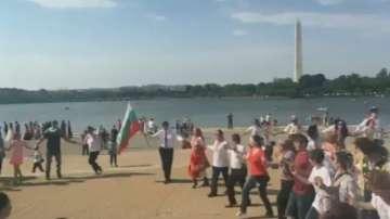 Голямо българско хоро се изви пред Мемориала на Томас Джеферсън  във Вашингтон