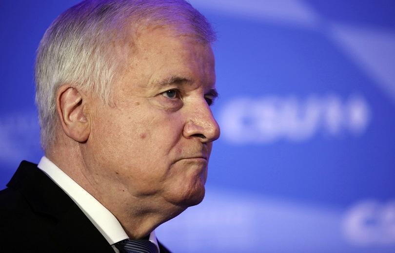 Германският вътрешен министър и лидер на Християнсоциалния съюз Хорст Зеехофер