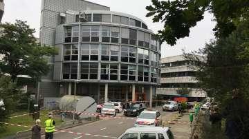 Мъж взе жена за заложник в сградата на Холандската обществена телевизия