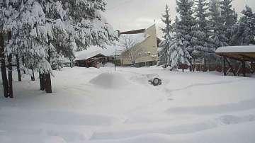 15 души остават блокирани в снежните преспи над Перущица (СНИМКИ/ВИДЕО)