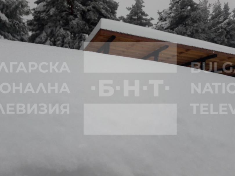 снимка 3 15 души остават блокирани в снежните преспи над Перущица (СНИМКИ/ВИДЕО)