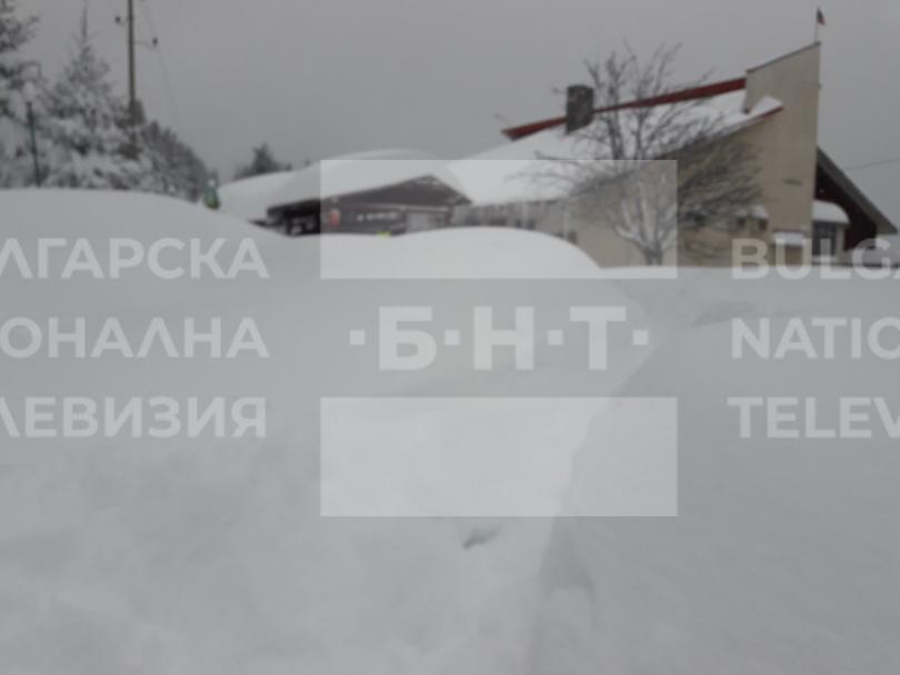 снимка 4 15 души остават блокирани в снежните преспи над Перущица (СНИМКИ/ВИДЕО)