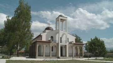 Село гради храм със средства, дарени от жителите