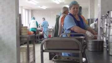 1600 души в Сливенско получават безплатен топъл обяд