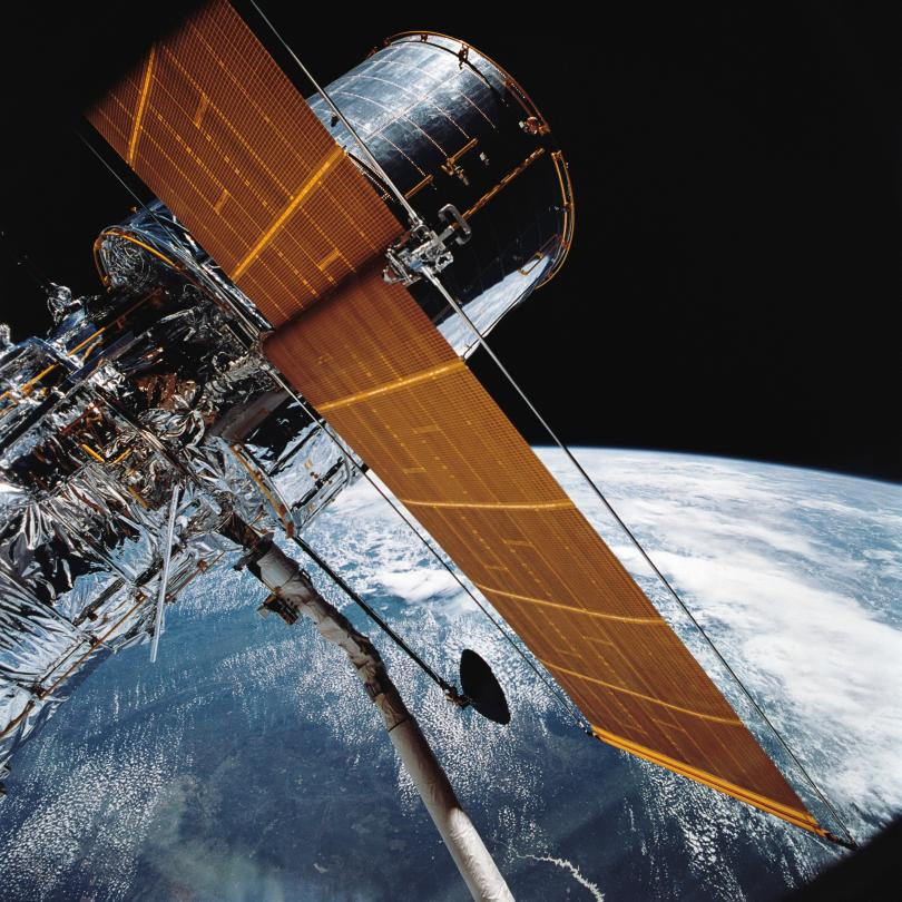 """Снимка: Изключи се главната камера на телескопа Хъбъл"""""""