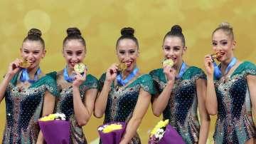 Златен медал за българския ансамбъл на финала на пет обръча