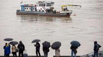 Продължава издирването на пътници от потъналия в Дунав кораб