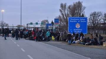 Унгария затваря временно границата със Сърбия заради мигранти