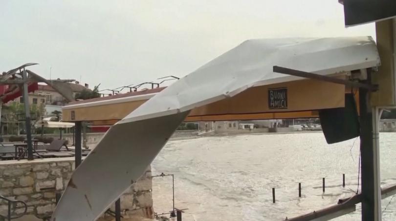 В Хърватия започна разчистване след мощната буря, която връхлетя крайбрежието