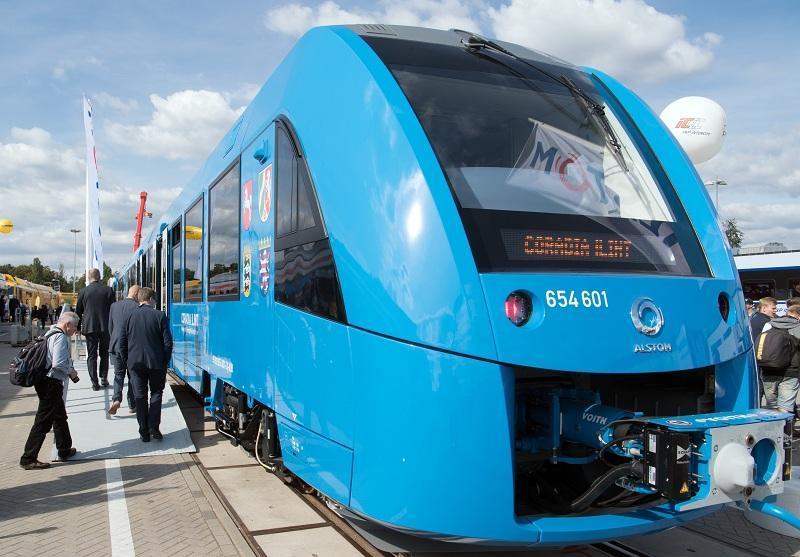 Първите влакове с водородни клетки започват от днес редовен превоз