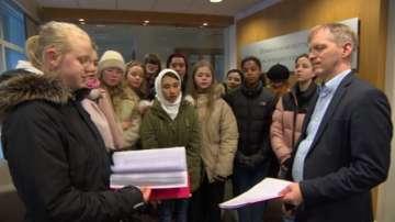 Протести в Исландия срещу депортирането на афганистанци в Гърция
