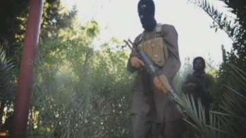 Ислямска държава е намалила наполовина възнагражденията на бойците си
