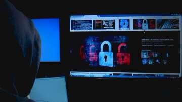 Човек с фалшива самоличност във фейсбук ужили с пари доверчиви хора