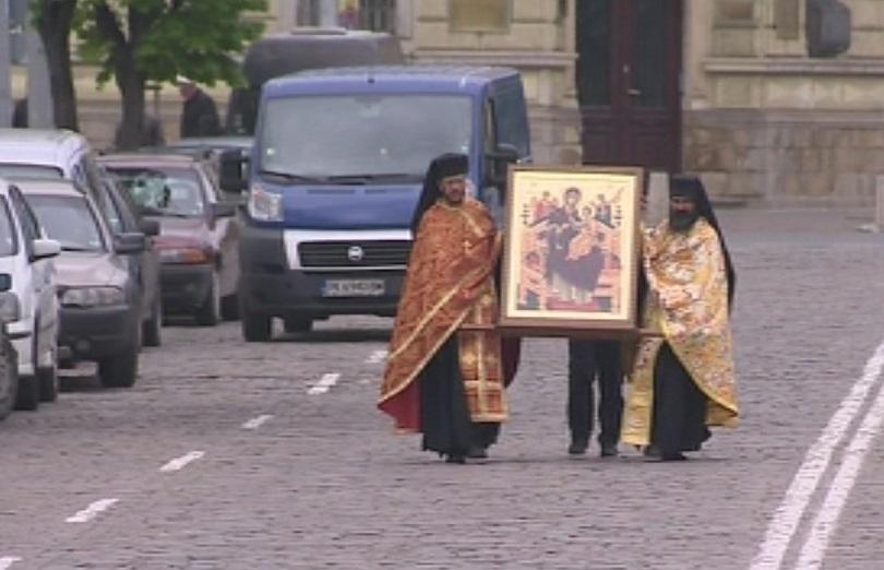 снимка 1 Чудотворна икона от Света гора пристигна в София на Велика събота