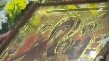 Чудотворна икона от Света гора пристигна в София на Велика събота