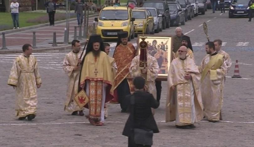 снимка 3 Чудотворна икона от Света гора пристигна в София на Велика събота