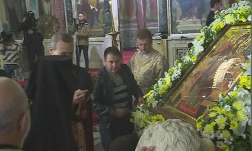 снимка 4 Чудотворна икона от Света гора пристигна в София на Велика събота